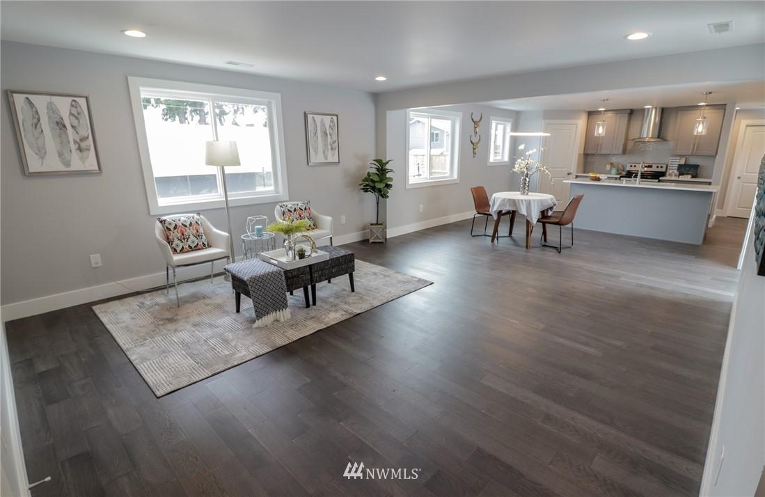 Sold Property | 819 NE 125th Street Seattle, WA 98125 1