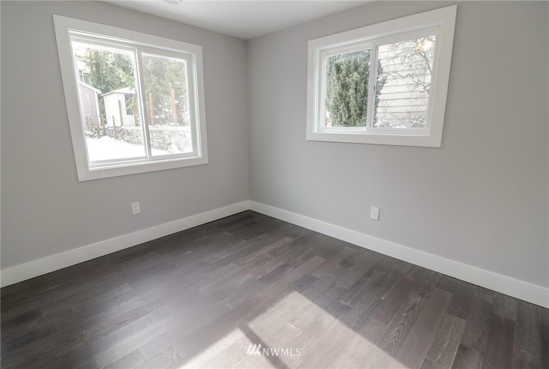 Sold Property | 819 NE 125th Street Seattle, WA 98125 2