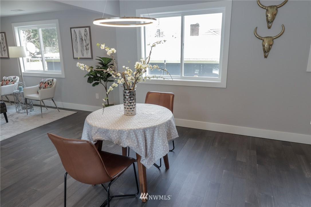 Sold Property | 819 NE 125th Street Seattle, WA 98125 3