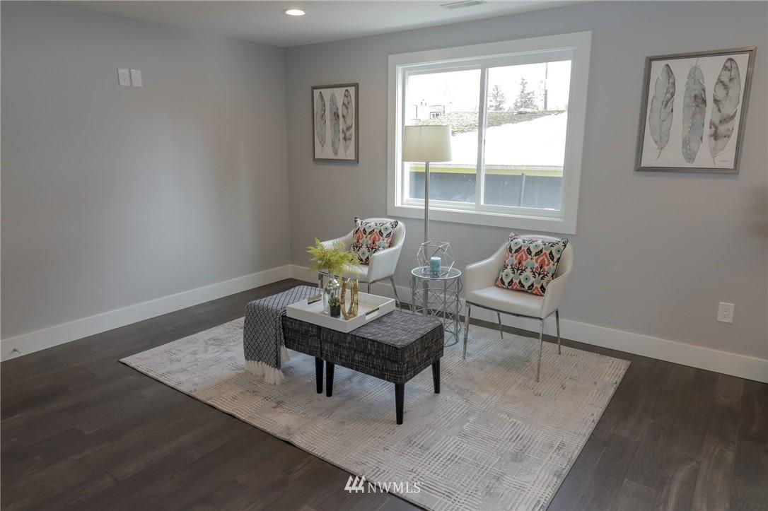 Sold Property | 819 NE 125th Street Seattle, WA 98125 5