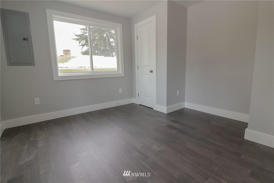 Sold Property | 819 NE 125th Street Seattle, WA 98125 8