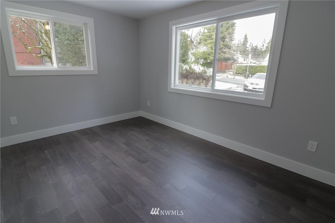 Sold Property | 819 NE 125th Street Seattle, WA 98125 9