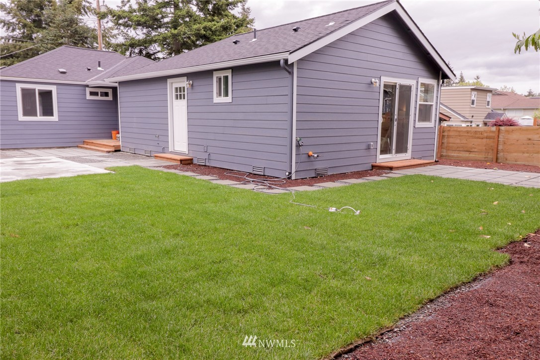 Sold Property | 819 NE 125th Street Seattle, WA 98125 15