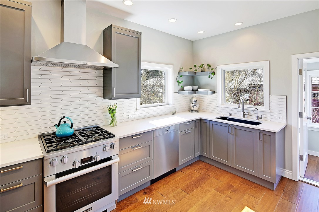 Sold Property   1202 NW 70th Street Seattle, WA 98117 4