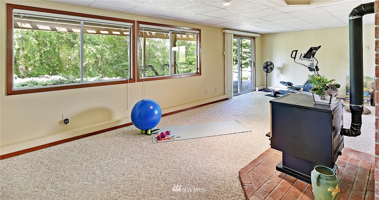 Sold Property | 9322 45th Avenue W Mukilteo, WA 98275 17