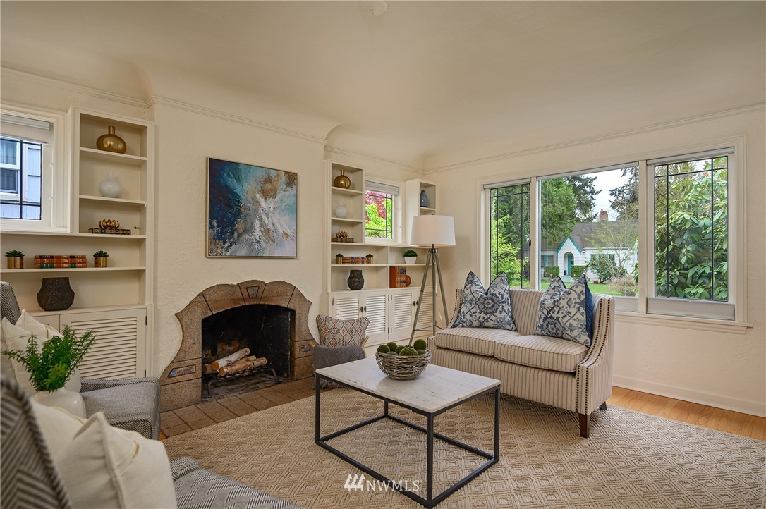Sold Property | 3032 NE 91st Street Seattle, WA 98115 3