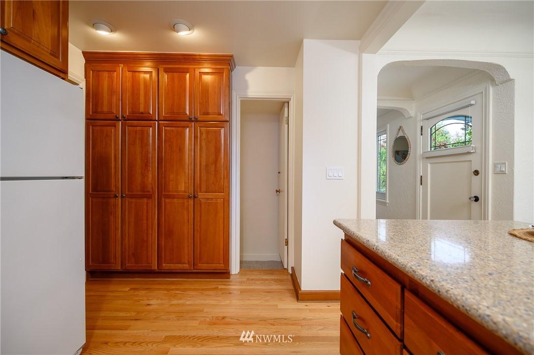 Sold Property | 3032 NE 91st Street Seattle, WA 98115 8