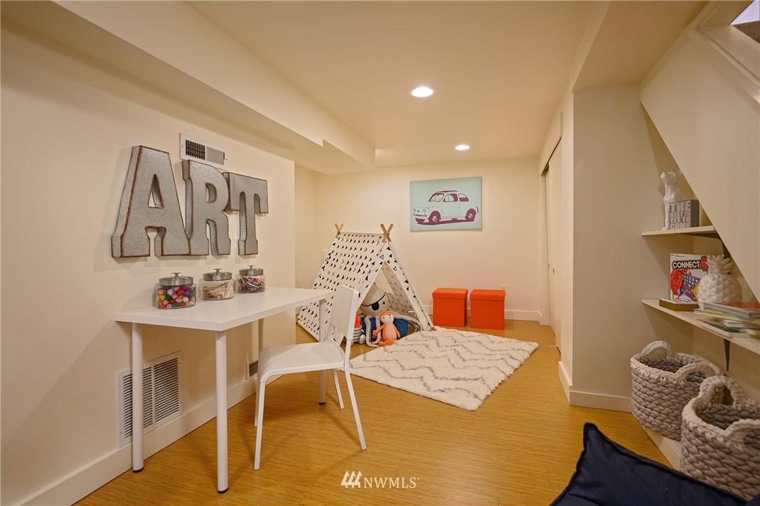 Sold Property | 3032 NE 91st Street Seattle, WA 98115 11