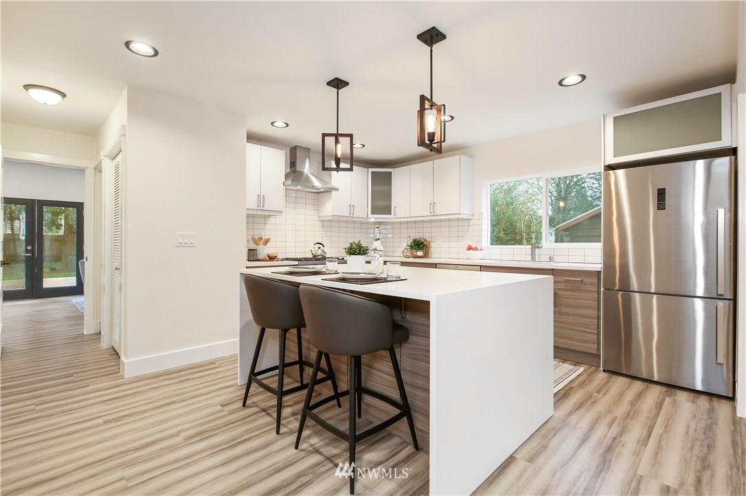 Sold Property   2014 NE 107th Street Seattle, WA 98125 3