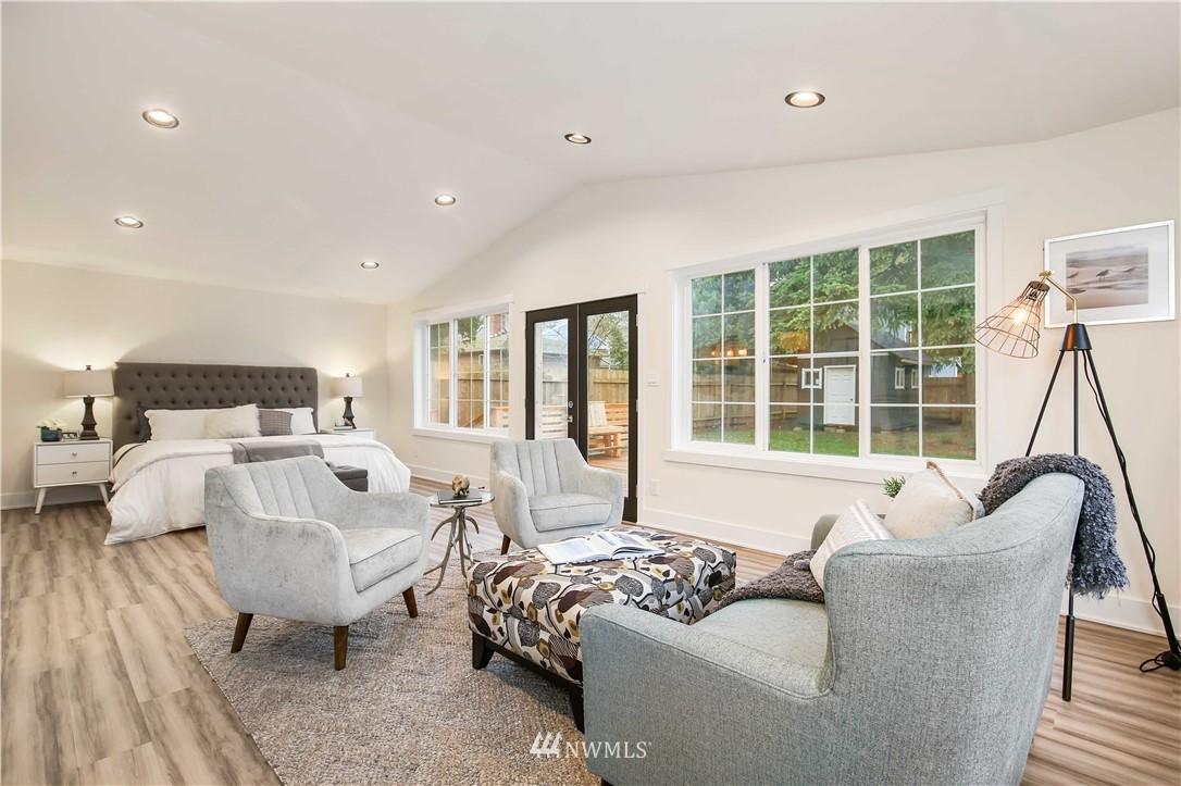 Sold Property   2014 NE 107th Street Seattle, WA 98125 11