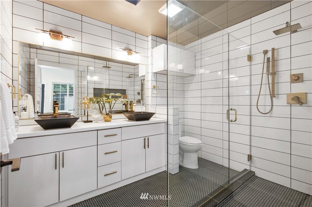 Sold Property   2014 NE 107th Street Seattle, WA 98125 14