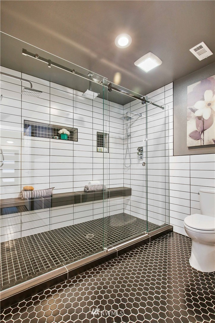 Sold Property   2014 NE 107th Street Seattle, WA 98125 18