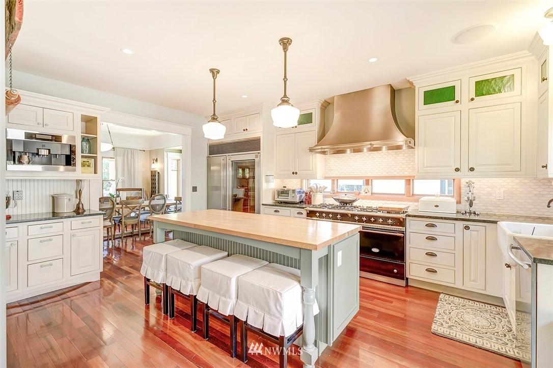 Sold Property   7612 E Green Lake Drive N Seattle, WA 98103 4