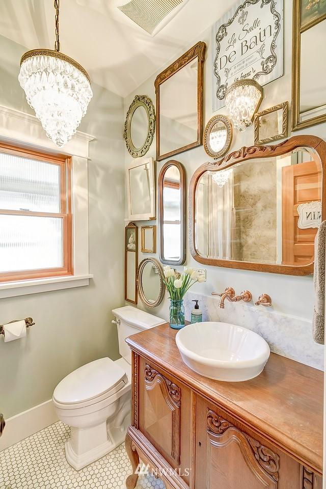 Sold Property   7612 E Green Lake Drive N Seattle, WA 98103 5