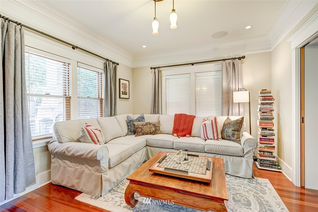 Sold Property   7612 E Green Lake Drive N Seattle, WA 98103 6
