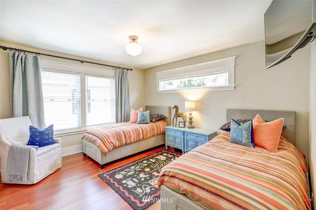 Sold Property   7612 E Green Lake Drive N Seattle, WA 98103 11