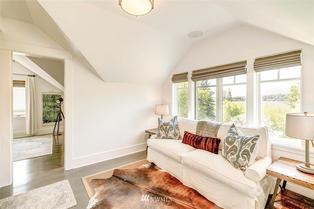 Sold Property   7612 E Green Lake Drive N Seattle, WA 98103 15