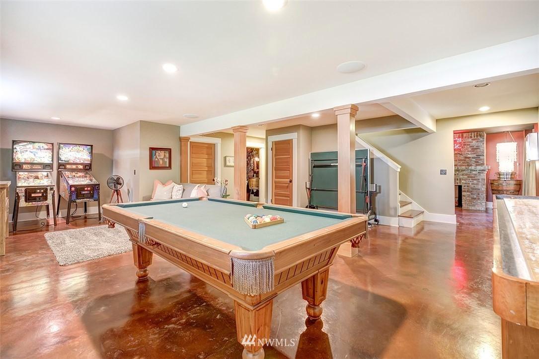 Sold Property   7612 E Green Lake Drive N Seattle, WA 98103 16