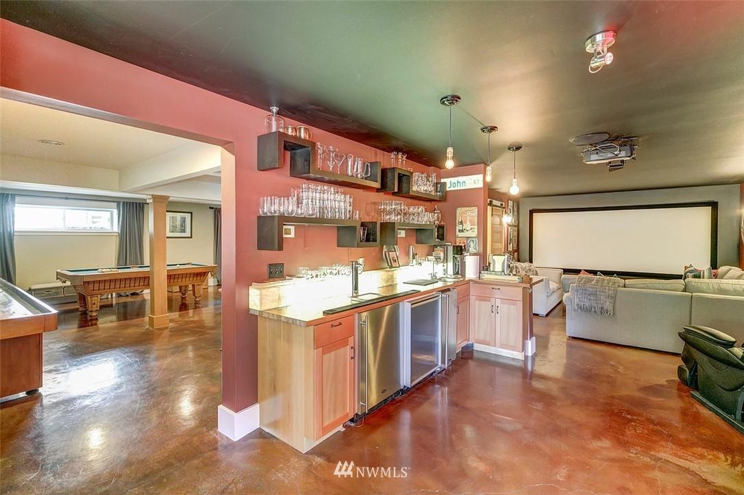 Sold Property   7612 E Green Lake Drive N Seattle, WA 98103 17
