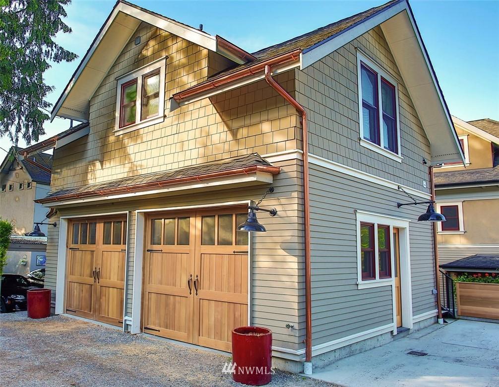 Sold Property   7612 E Green Lake Drive N Seattle, WA 98103 19