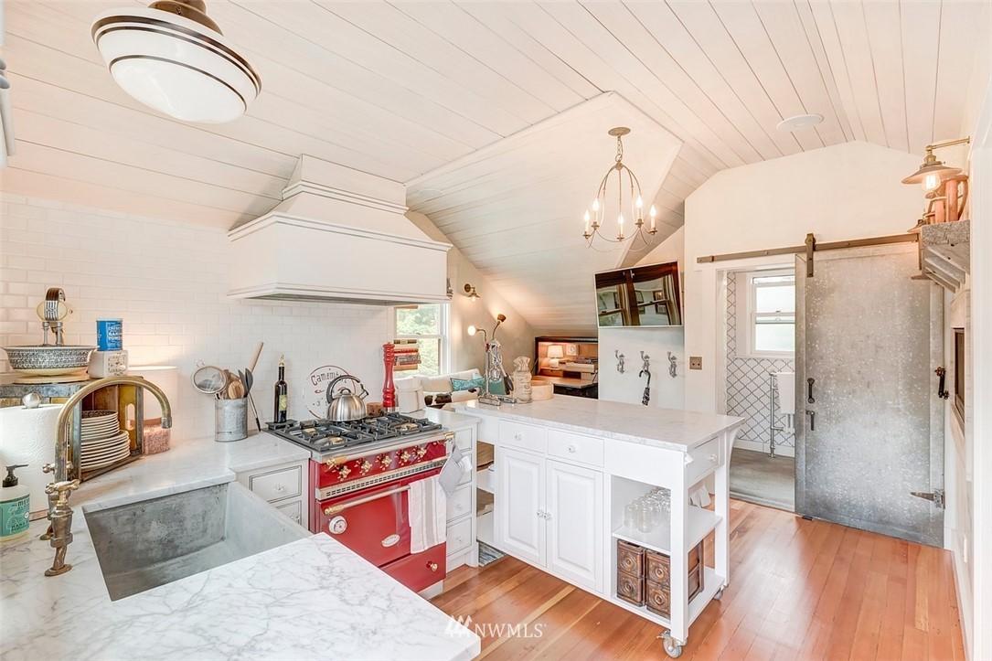 Sold Property   7612 E Green Lake Drive N Seattle, WA 98103 20