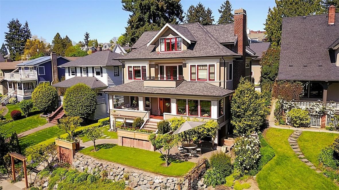 Sold Property   7612 E Green Lake Drive N Seattle, WA 98103 24