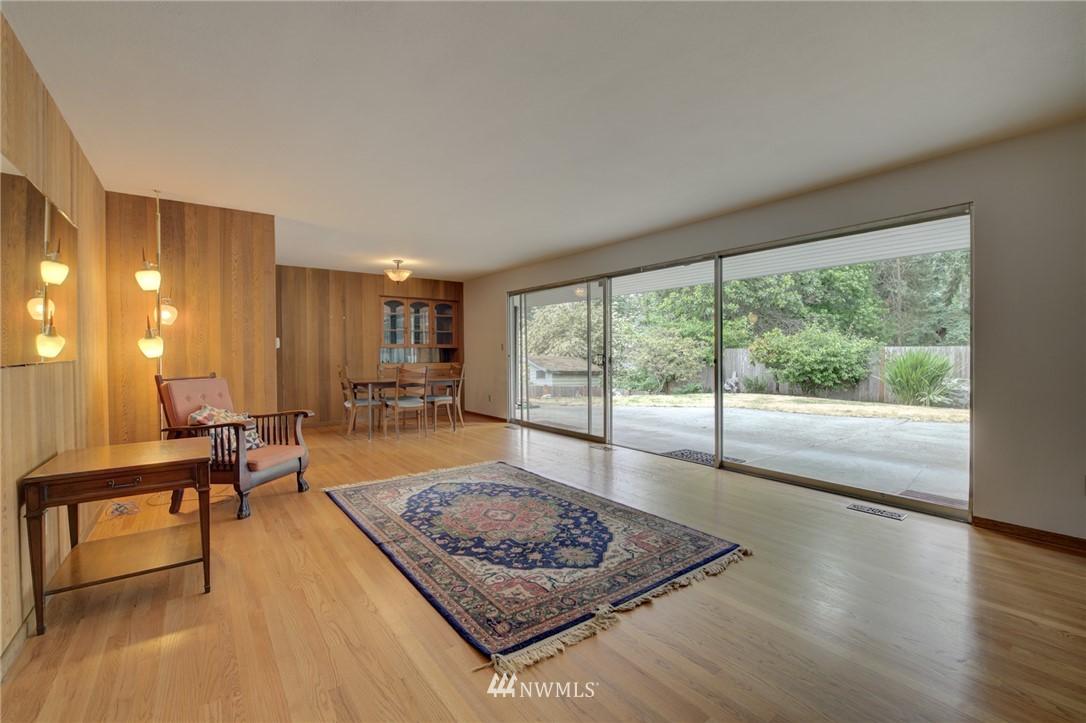 Sold Property | 15714 Greenwood Avenue N Shoreline, WA 98133 4
