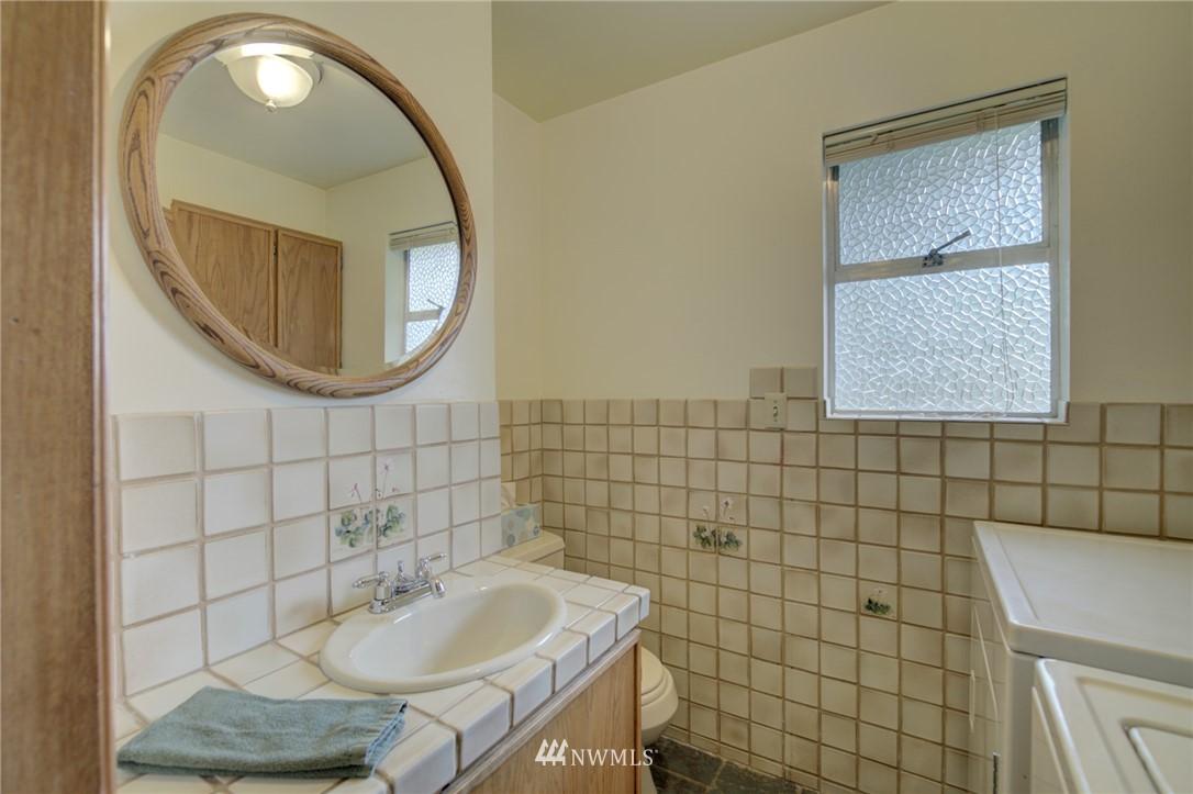 Sold Property | 15714 Greenwood Avenue N Shoreline, WA 98133 8