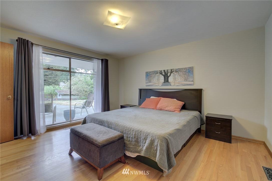 Sold Property | 15714 Greenwood Avenue N Shoreline, WA 98133 9