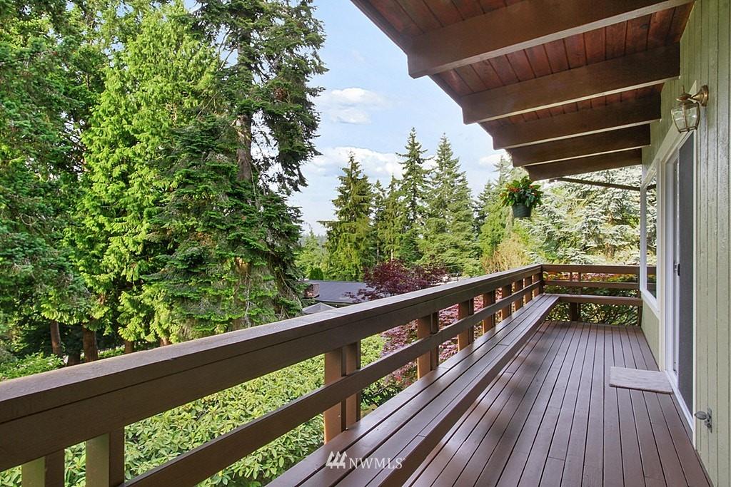 Sold Property | 19646 65th Avenue NE Kenmore, WA 98028 2