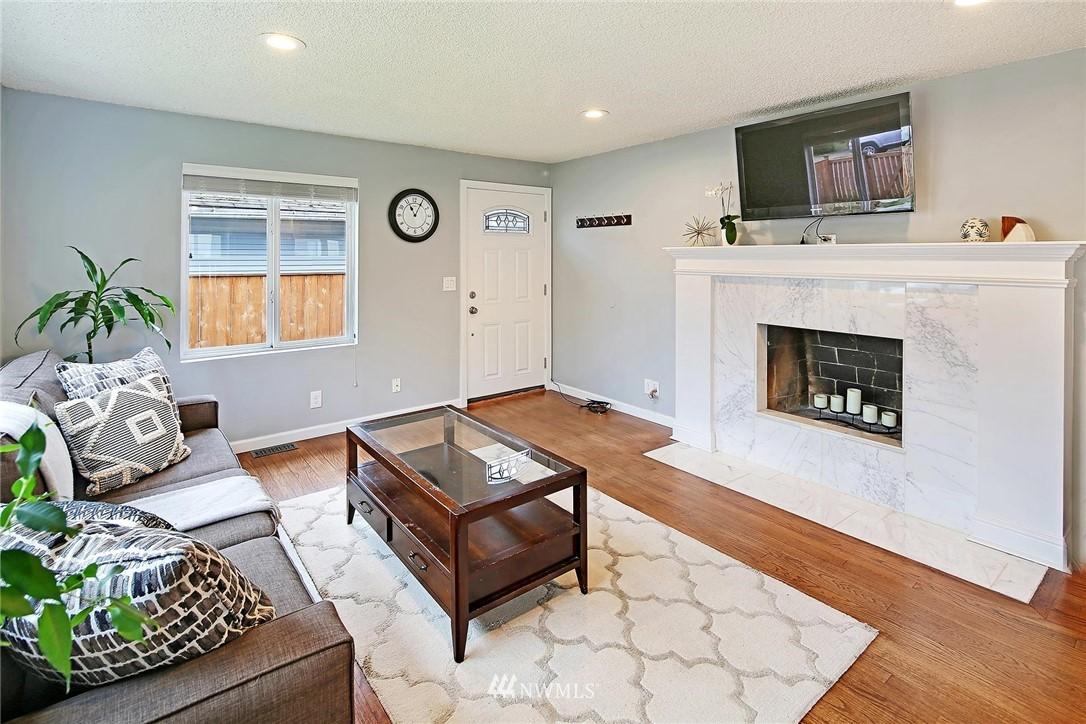 Sold Property   721 N 104th Street Seattle, WA 98133 4