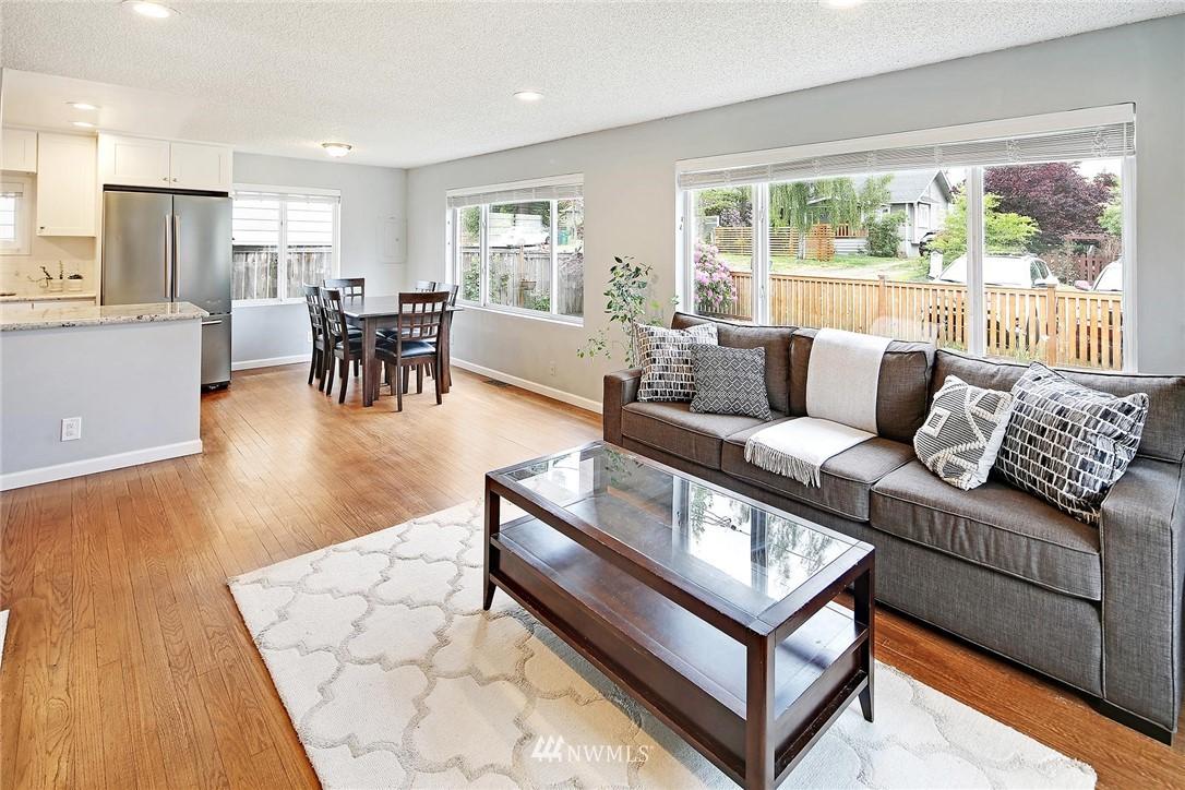 Sold Property   721 N 104th Street Seattle, WA 98133 7