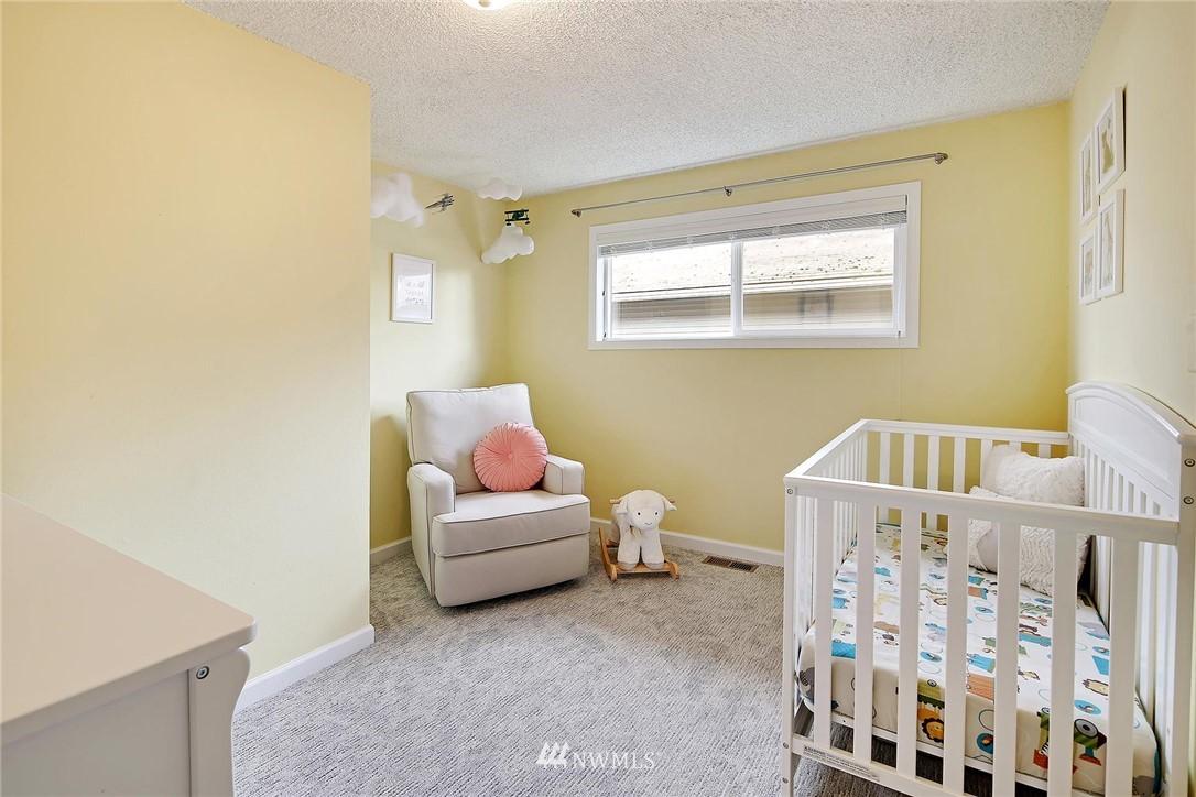 Sold Property   721 N 104th Street Seattle, WA 98133 11