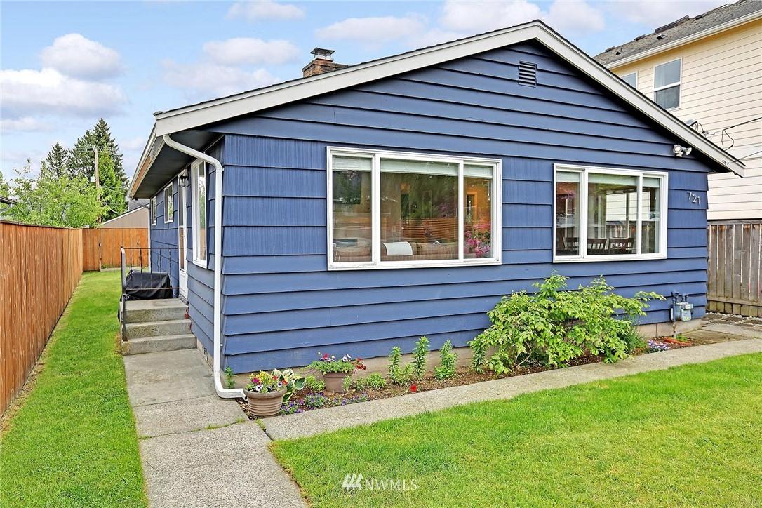 Sold Property   721 N 104th Street Seattle, WA 98133 12