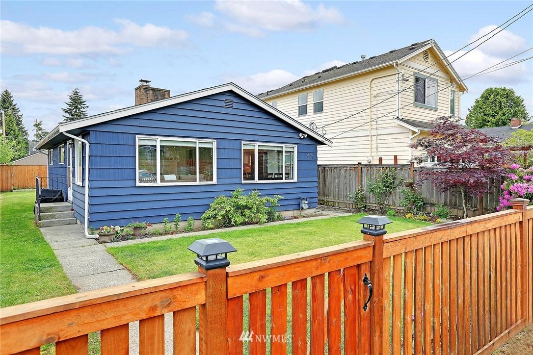 Sold Property   721 N 104th Street Seattle, WA 98133 15