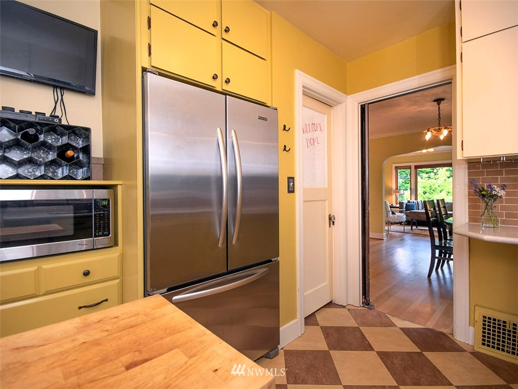 Sold Property   7317 9th Avenue NW Seattle, WA 98117 6