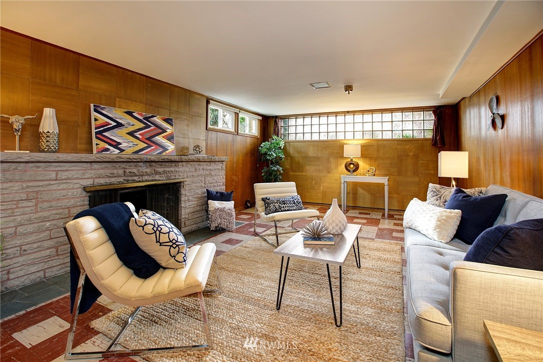 Sold Property   2316 S Spokane Street Seattle, WA 98144 8