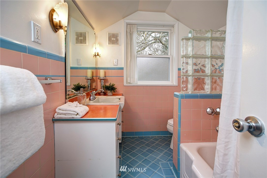 Sold Property   2316 S Spokane Street Seattle, WA 98144 13