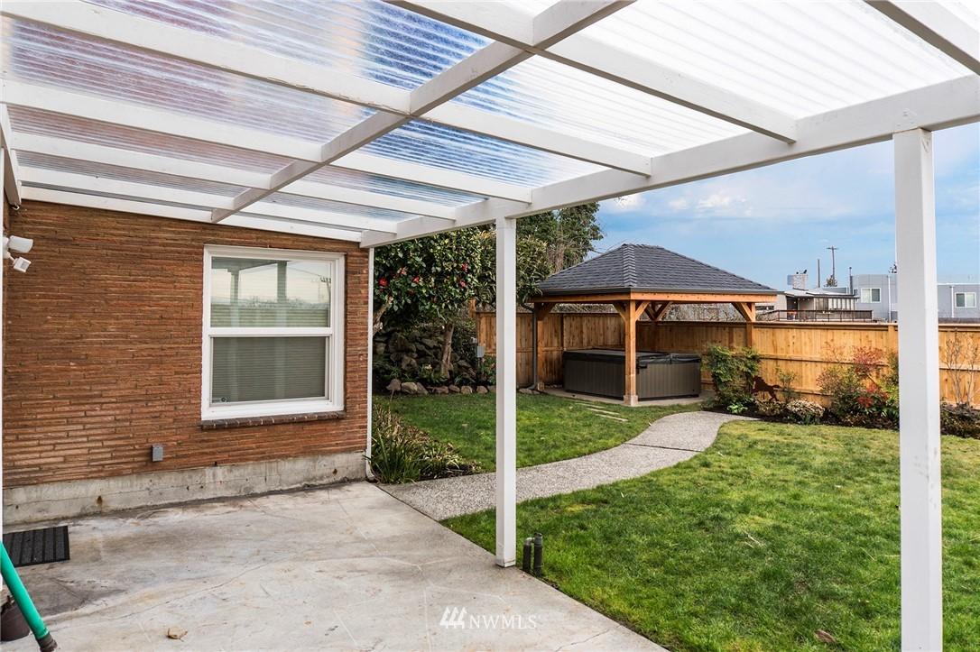 Sold Property   2316 S Spokane Street Seattle, WA 98144 18