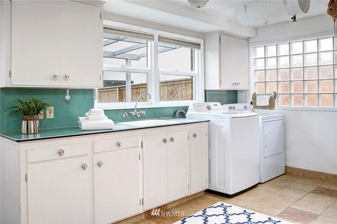 Sold Property   2316 S Spokane Street Seattle, WA 98144 23