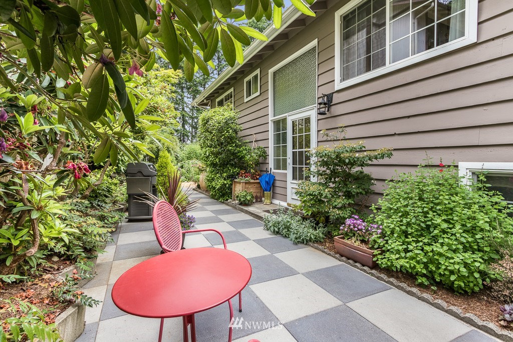 Sold Property | 1118 NE 198th Street Shoreline, WA 98155 0