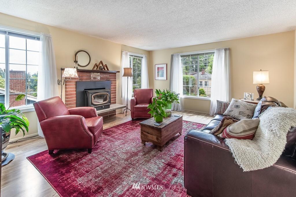 Sold Property | 1118 NE 198th Street Shoreline, WA 98155 2