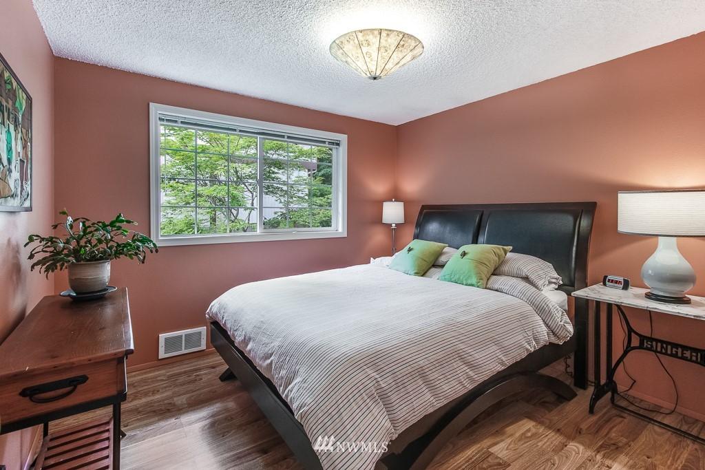 Sold Property | 1118 NE 198th Street Shoreline, WA 98155 9
