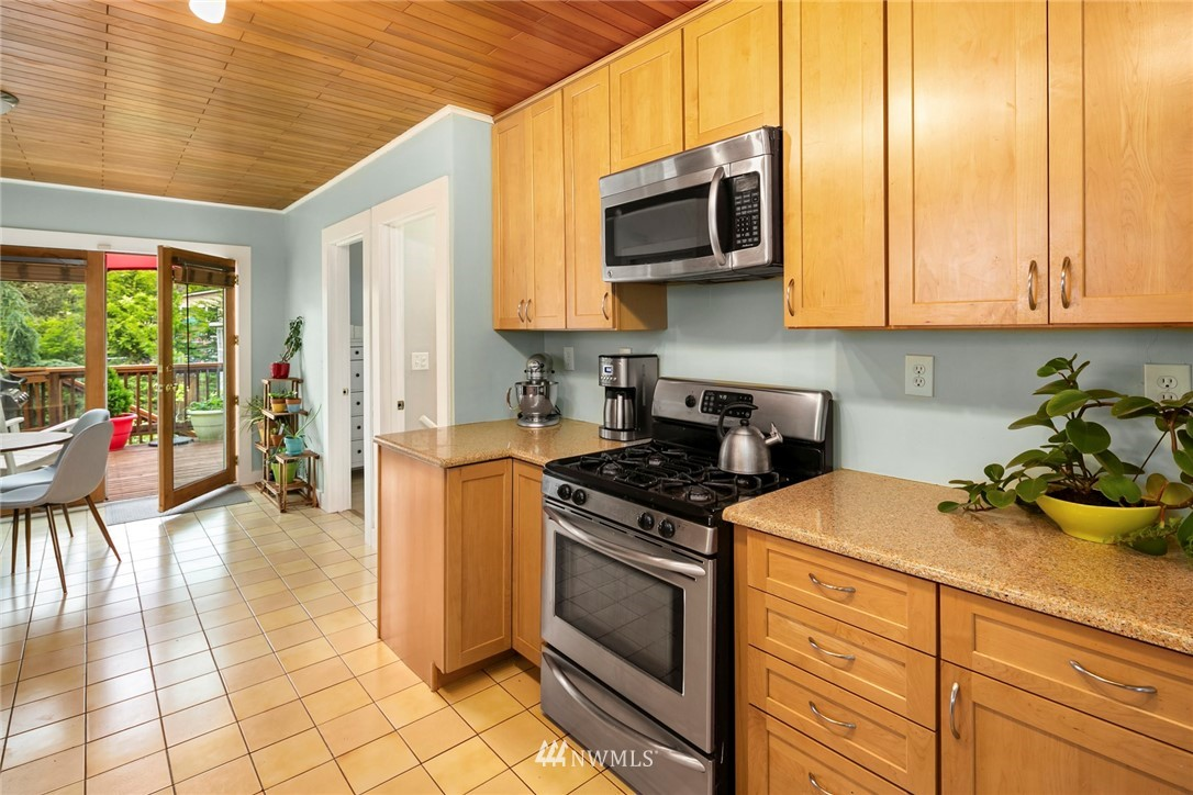 Sold Property   3521 S Ferdinand Street Seattle, WA 98118 6