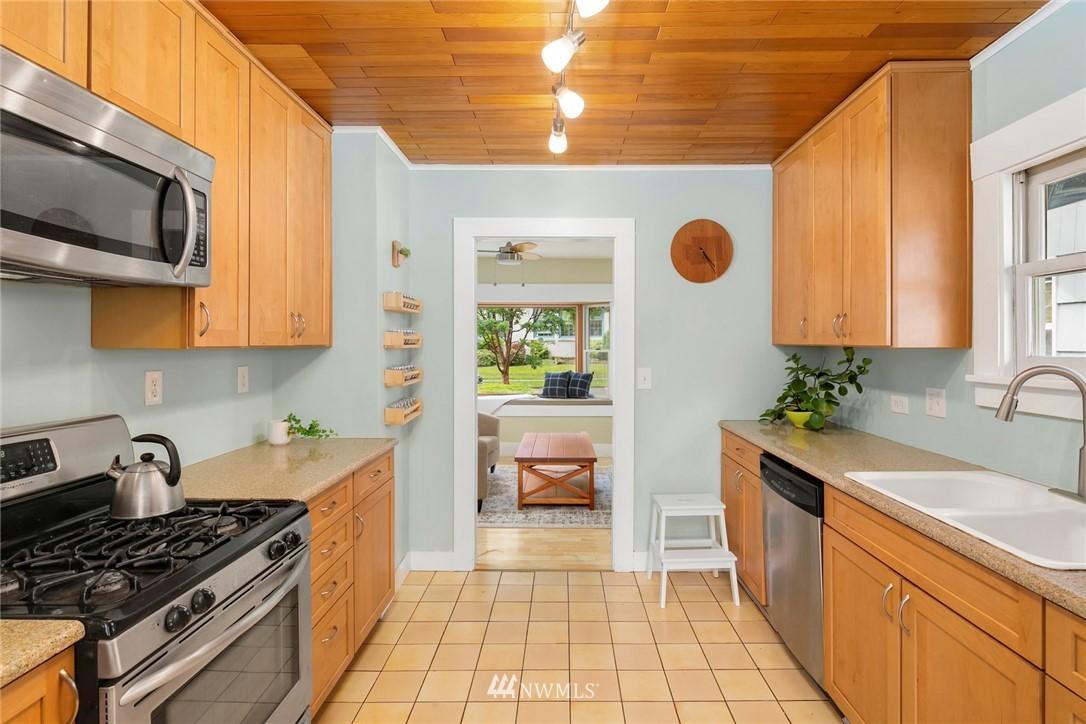 Sold Property   3521 S Ferdinand Street Seattle, WA 98118 7