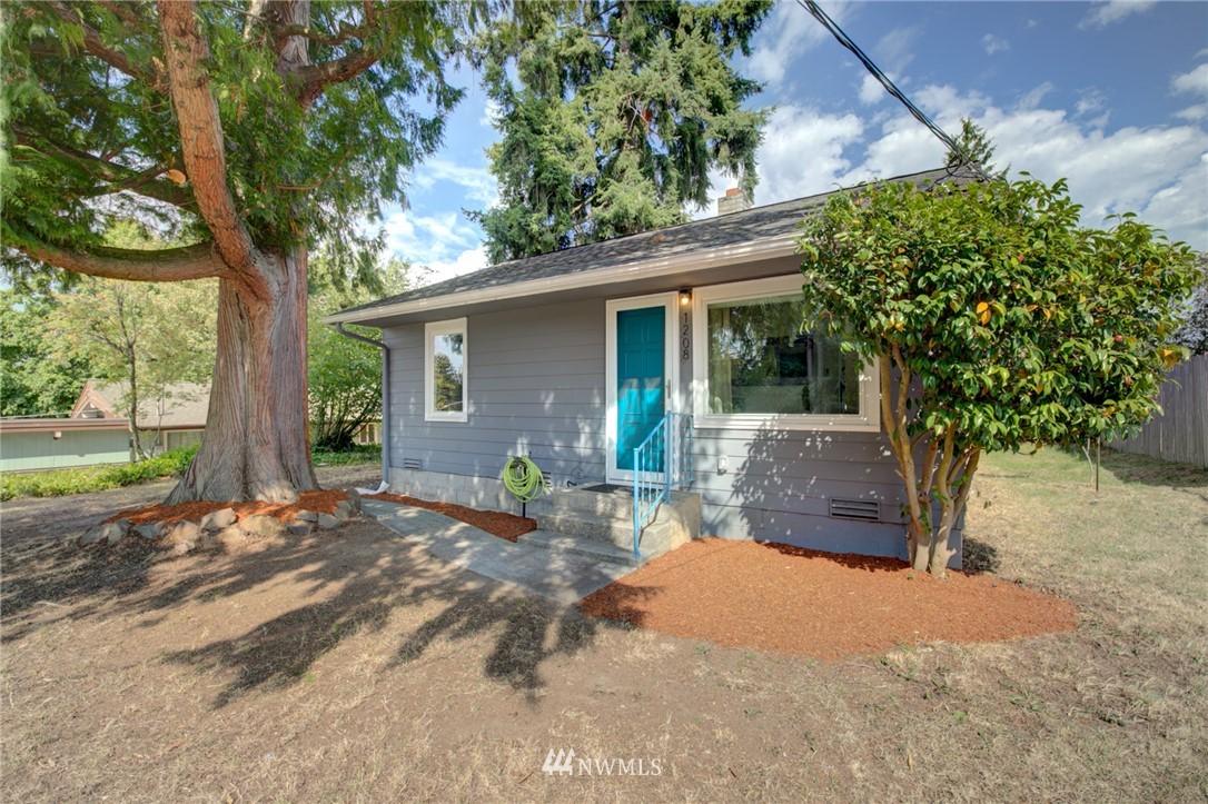 Sold Property | 1208 S 116th Street Seattle, WA 98168 0