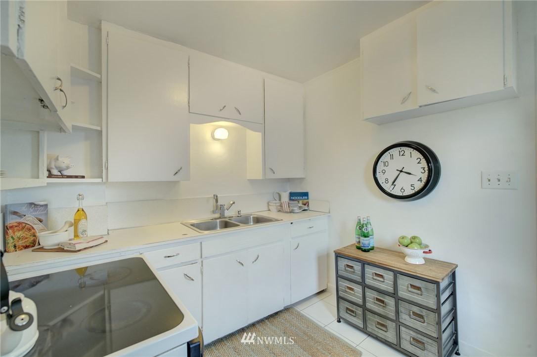 Sold Property | 1208 S 116th Street Seattle, WA 98168 6