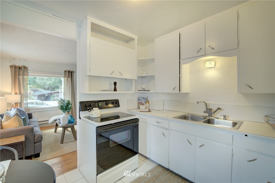 Sold Property | 1208 S 116th Street Seattle, WA 98168 7