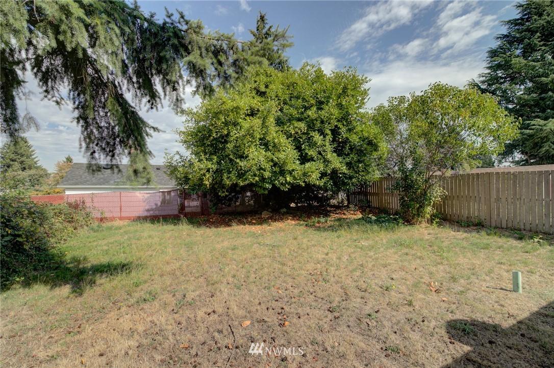 Sold Property | 1208 S 116th Street Seattle, WA 98168 14
