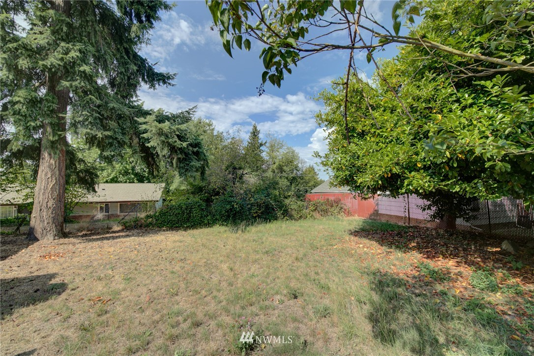 Sold Property | 1208 S 116th Street Seattle, WA 98168 13